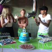 Neymar combina bermuda de R$ 370 com Davi Lucca em festa de aniversário do filho