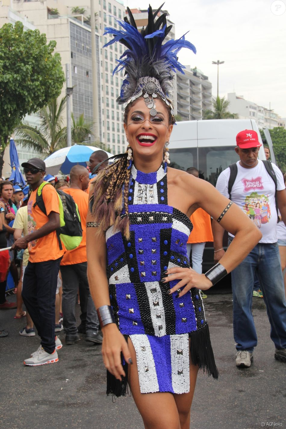 Juliana Paes anunciou que o desfile pela Grande Rio em 2018 será o último