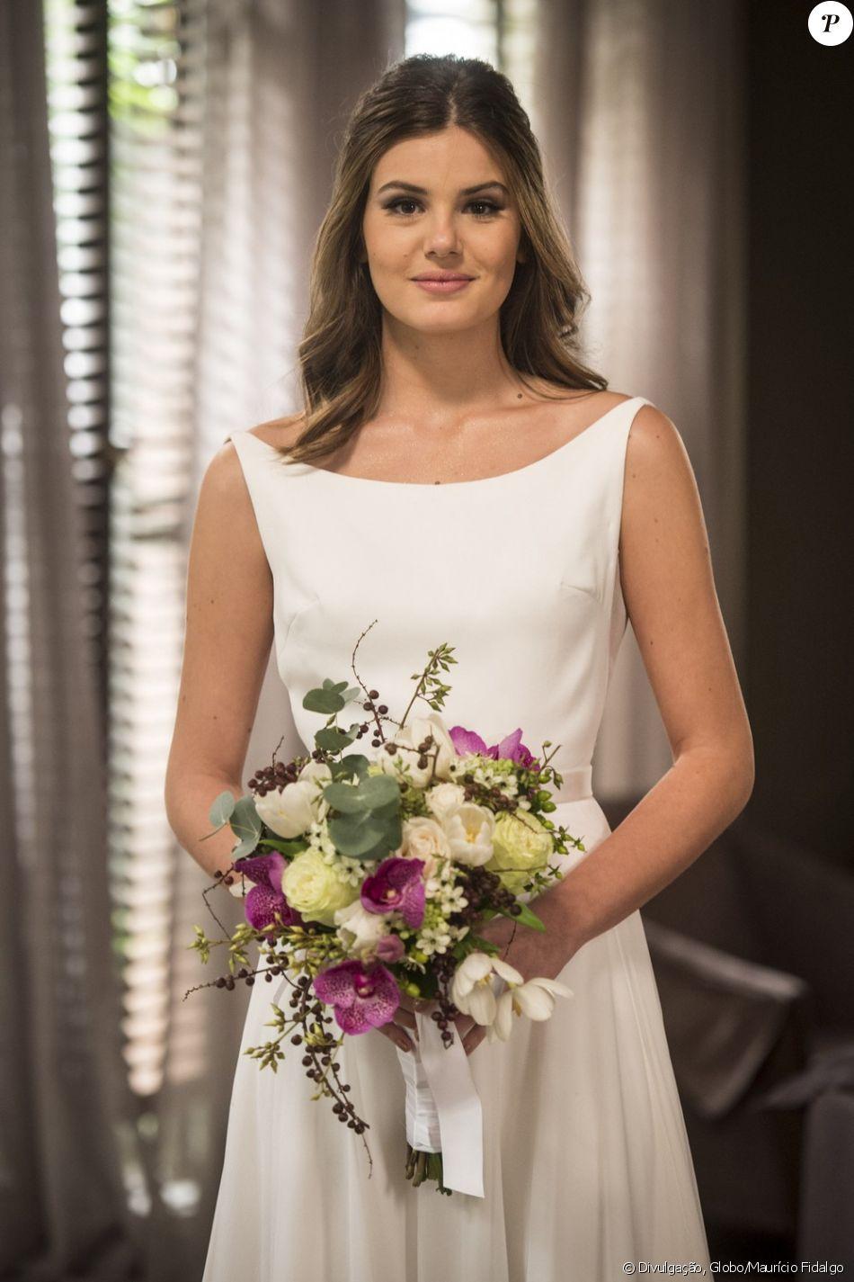 3f7141bc03 Camila Queiroz elegeu o vestido de noiva para seu casamento em entrevista  ao  Vídeo Show