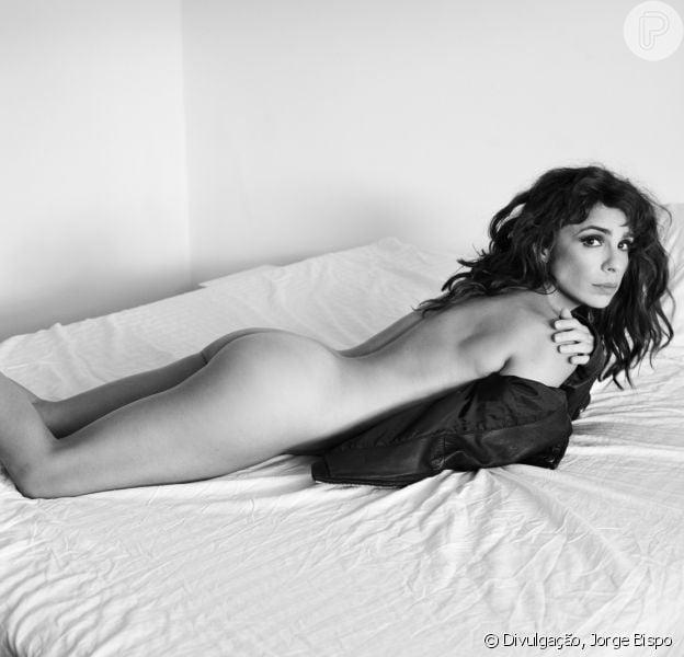 Maria Ribeiro, aos 41 anos, exibiu o corpo nu em ensaio para a 'Revista 4'