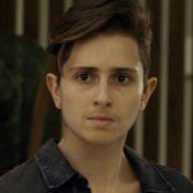 Carol Duarte usa cabelo humano para criar barba de Ivan na novela: 'Demora 2h'