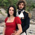 Anna (Isabelle Drummond) engravida novamente de Joaquim (Chay Suede) no fim da novela 'Novo Mundo'