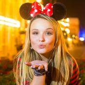 Larissa Manoela é fã de Mickey e Minnie! Veja fotos de looks inspirados no casal