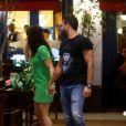 Malvino Salvador passeia com a filha e a namorada ,Kyra Gracie, no Shopping Village Mall, na Barra da Tijuca, Zona Oeste do Rio de Janeiro, nesta terça-feira (22)