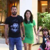 Malvino Salvador passeia com Kyra Gracie, grávida de 3 meses, e filha