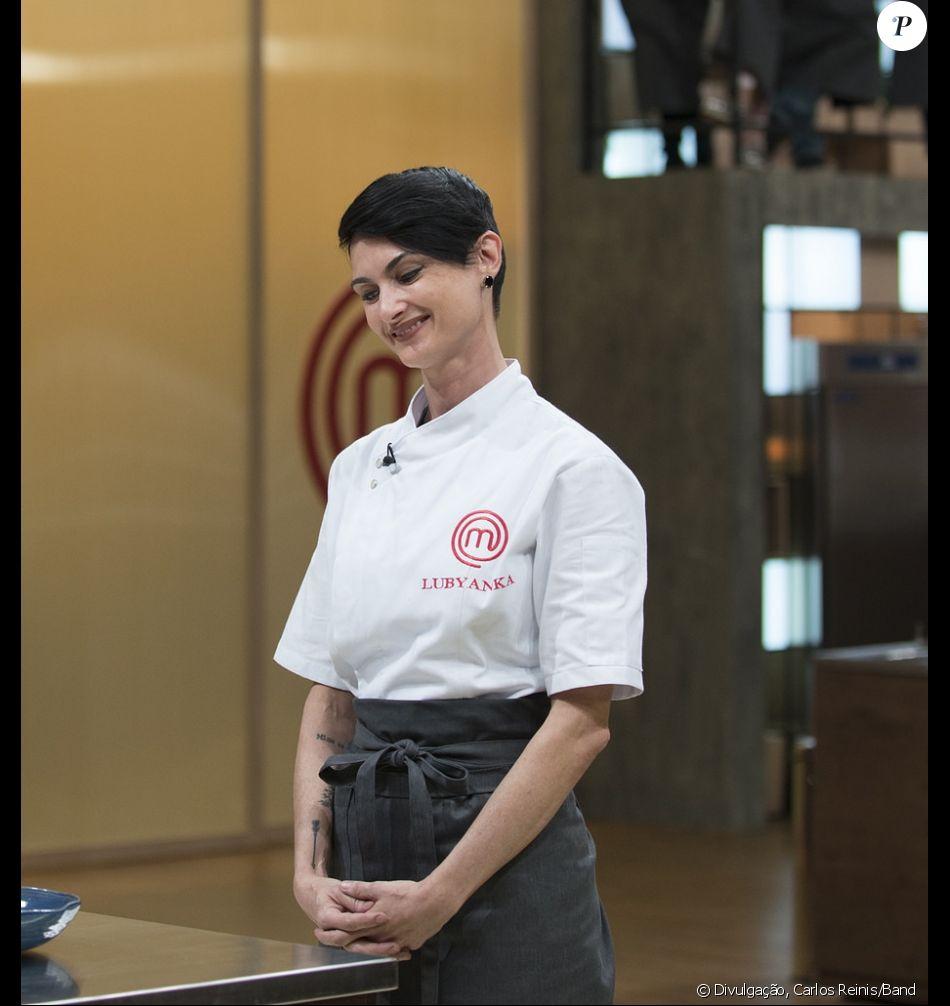 Cozinheira bilíngue divide web após estreia do 'MasterChef Profissionais'