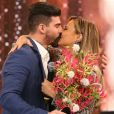 Viviane Araujo e Radamés Martins ficaram noivos em 2015. Jogador de futebol a surpreendeu com pedido de casamento no programa 'Domingão do Faustão'
