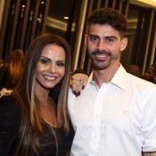 Fim de noivado de Viviane Araujo e Radamés aconteceu pelo telefone, diz jornal