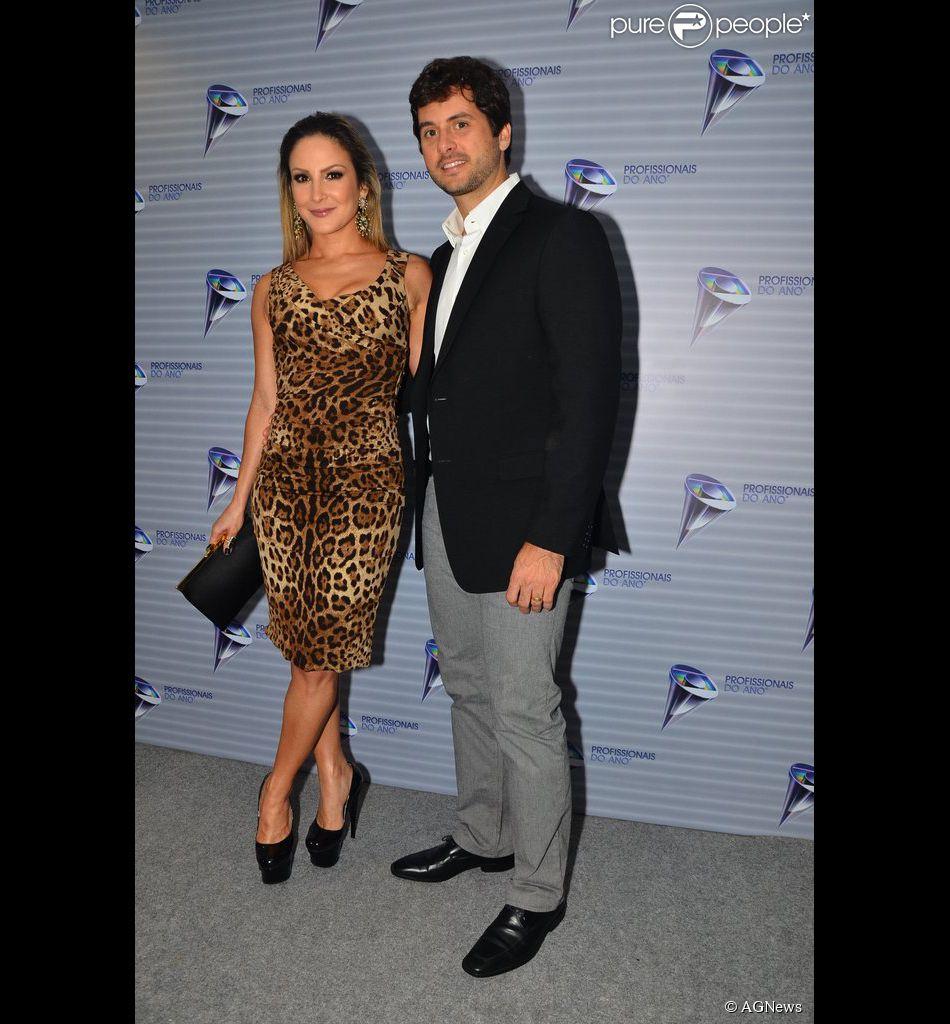 Claudia Leitte e Márcio Pedreira renovaram os votos de casamento em segredo