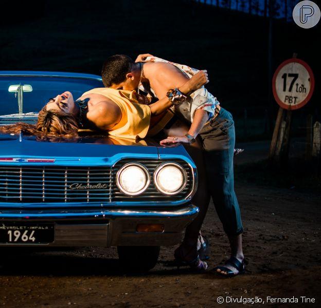 Pabllo Vittar mostrou toda sua sensualidade em clipe com Mateus Carrilho, da Banda Uó