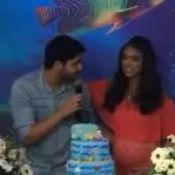 Rafael Cupello canta para Aline Dias, grávida de 7 meses, em chá de bebê. Vídeo!