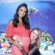 Aline Dias recebeu o carinho da amiga Barbara França no chá de bebê