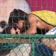 Amanda de Godoi foi vista beijando Francisco Vitti após romper o namoro com o ator em abril de 2017