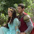 Jacques (Leandro Lima) e  Lizabeta (Adriana Birolli) se beijam, no capítulo de segunda-feira, 18 de setembro de 2017, da novela 'Belaventura'