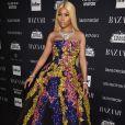 Nicki Minaj já havia apostado em um imponente tomara-que-caia  Oscar de la Renta coleção outono 2017  em festa realizada durante a NYFW, na última sexta-feira, 8 de setembro de 2017