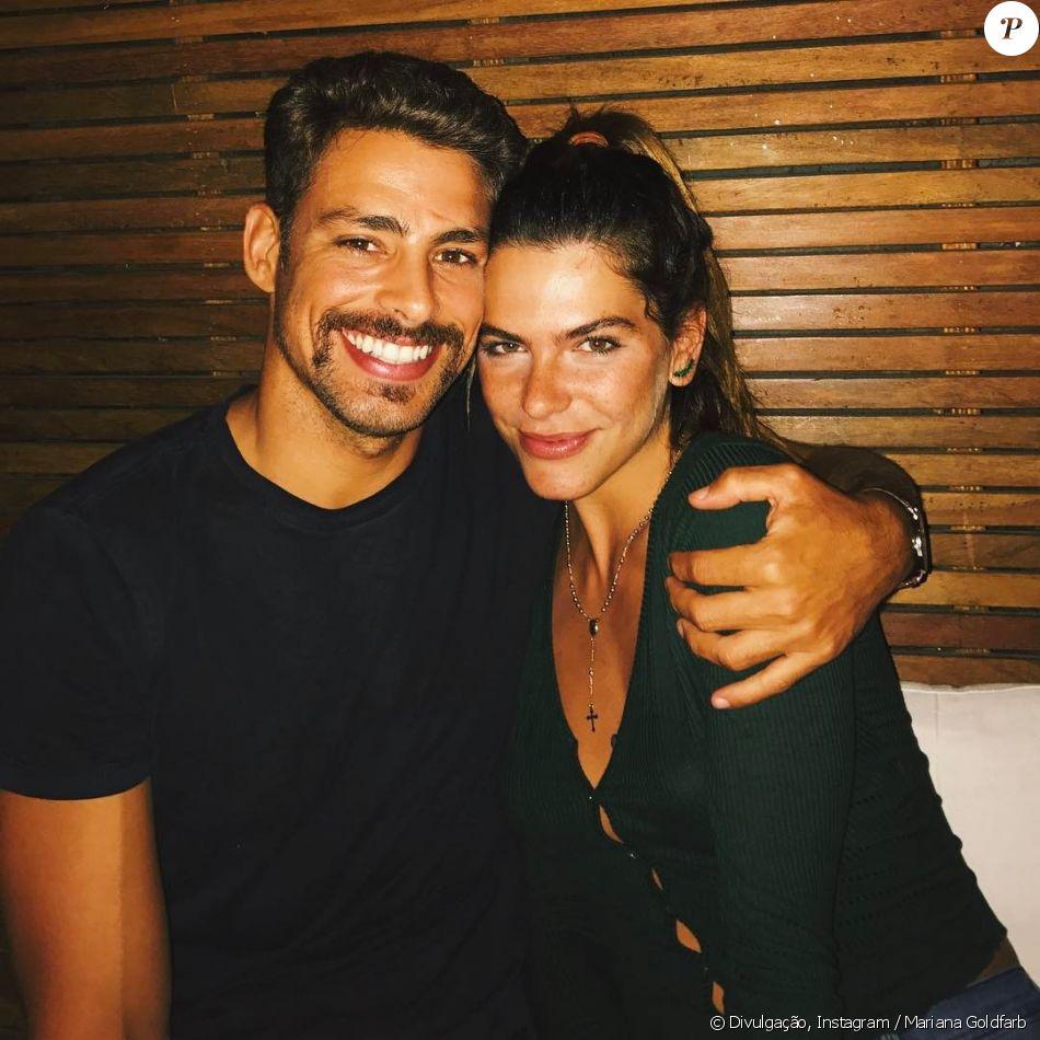 Mariana Goldfarb, morando com Cauã Reymond, divide closet: 'Doido comigo'