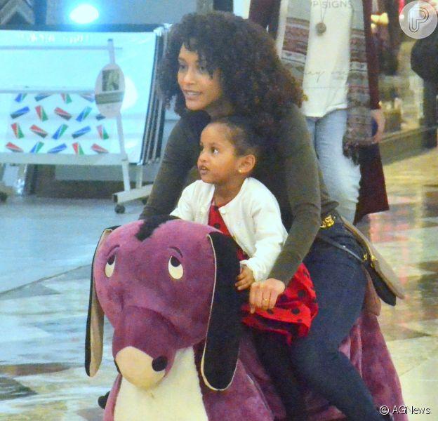 Tais Araújo é mãe de Maria Antônia, de 2 anos, fruto do casamento com Lázaro Ramos
