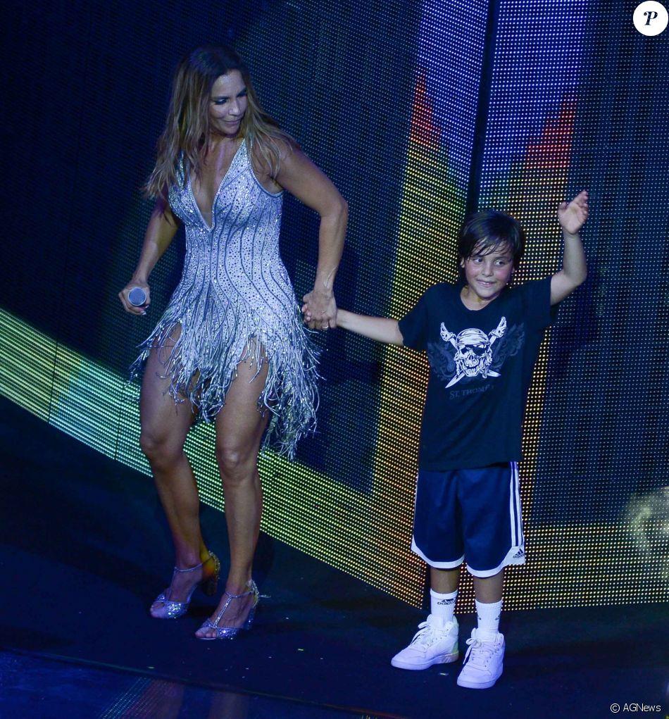 Grávida, Ivete Sangalo lembra reação do filho ao voltar de viagem: 'Cadê?'