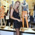 A modelo Yasmin Brunet foi mais uma a investir na transparência para a inauguração da nova loja da Colcci, no Barra Shopping, Zona Oeste do Rio de Janeiro, nesta quarta-feira, 13 de setembro de 2017