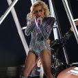 Internada, Lady Gaga afirmou estar 'devastada' por não poder se apresentar aos brasileiros no Rock in Rio: 'Eu poderia fazer qualquer coisa por vocês, mas eu preciso cuidar do meu corpo agora'