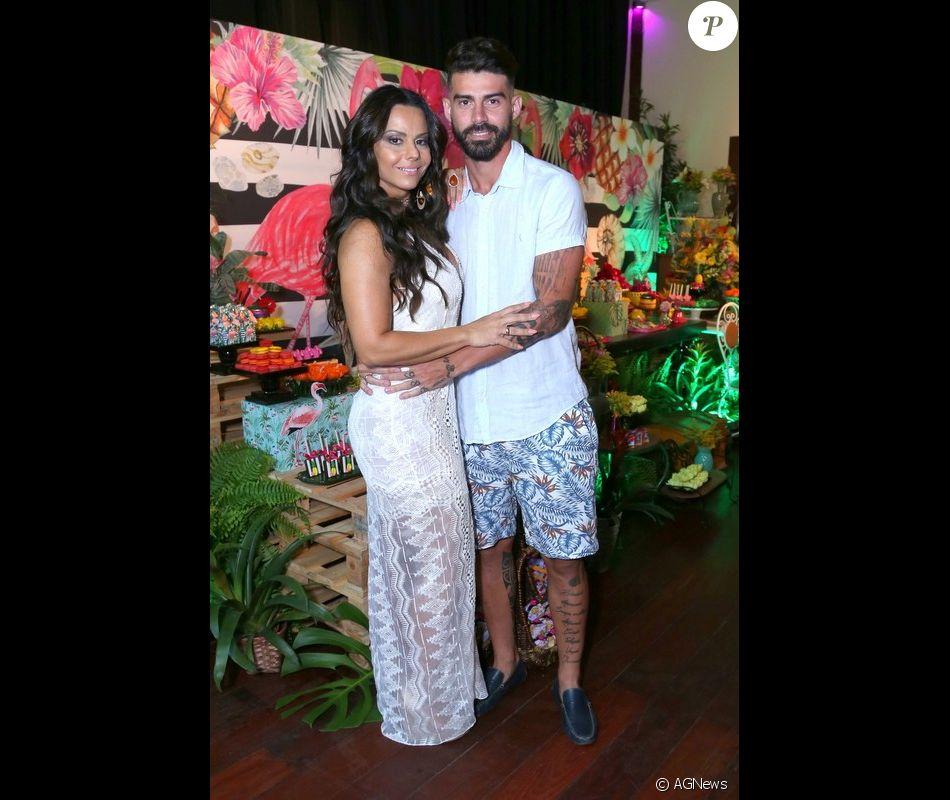 Viviane Araujo e Radamés Martins disputam apartamento