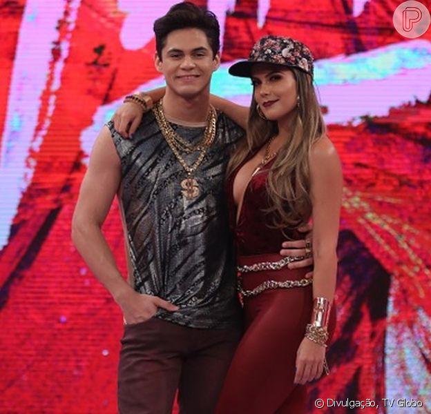Lucas Veloso engatou romance com a bailarina Nathália Melo, sua parceira no 'Dança dos Famososo'