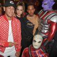 Neymar curtiu festa da revista 'Love', da grife Miu Miu, com Lewis Hamilton e ahúngara Barbara Palvin