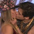 O representante de Lucas Veloso garantiu que 'não tem romance' com a bailarina Nathália Melo
