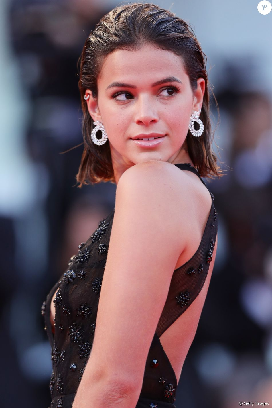 Bruna Marquezine gosta de investir dinheiro em joias: 'Para a vida toda'