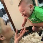 Andressa Suita conversa com filho, Gabriel, antes de evento: 'Vai se comportar?'