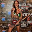 A cantora Gabi Luthai combinou transparência com bordados de paetês no penúltimo dia de Rock in Rio em 23 de setembro de 2017