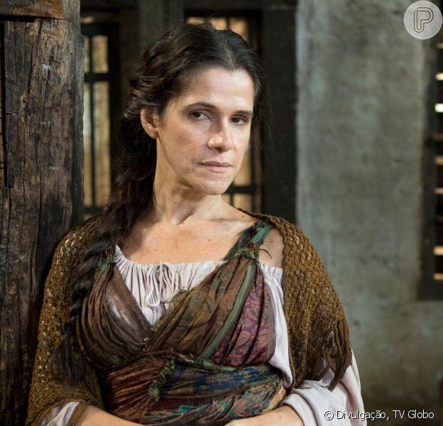 No final da novela 'Novo Mundo', Elvira (Ingrid Guimarães) consegue alcançar a fama