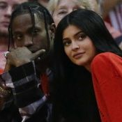 Namorado de Kylie Jenner revela sexo do bebê a amigos, diz site. 'Menina'