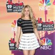 Shakira, de Azzedine Alaia, prestigia o IHeartRadio Music Awards 2014