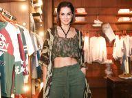Vera Viel deixa barriga à mostra com look cropped em evento: 'Eu que escolhi'