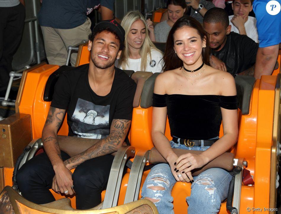 Neymar revelou que ama Bruna Marquezine em entrevista à Tatá Werneck no 'Lady Night'