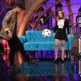 Neymar jogou bola com o pai de Tatá Werneck, Alberto Arguelhes, no 'Lady Night'