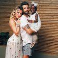 Filha de Bruno Gagliasso e Giovanna Ewbank usou um look florido em casamento de Marina Ruy Barbosa