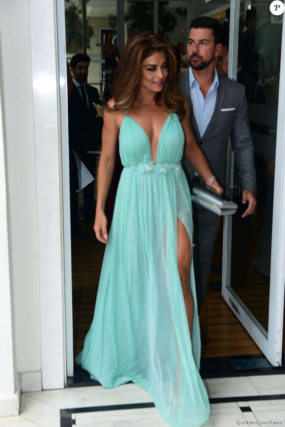 Juliana Paes Usou Um Longo Vestido Fendado E Com Decote Da