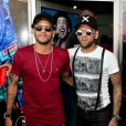Neymar e Daniel Alves chegaram juntos ao casamento