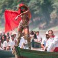Anitta usou roupas em animal print para gravar na floresta Amazônica o clipe da música ' Is That For Me ' em parceria com o DJ sueco Alesso