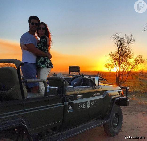 Marina Ruy Barbosa está curtindo lua de mel com Xandinho Negrão em um safári na África do Sul