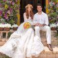 Marina Ruy Barbosa e Xandinho Negrão no dia do casamento na capela