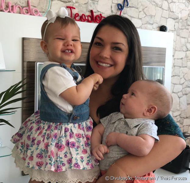 Thais Fersoza encanta fãs com registro fofo junto de Melinda, de 1 ano e 2 meses, e Teodoro, de 2 meses, postado nesta quinta-feira, dia 12 de outubro de 2017