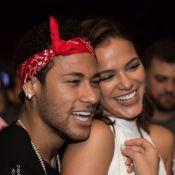 Foto de Bruna Marquezine e Neymar continua decorando casa do jogador na França