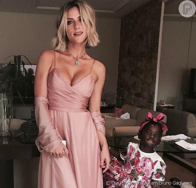 Giovanna Ewbank avalia corpo após maternidade de Títi em entrevista à youtuber Boca Rosa nesta segunda-feira, dia 16 de outubro de 2017