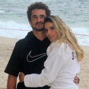 Rafa Brites, acompanhada por filho e marido, faz ensaio no dia de aniversário