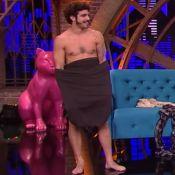 Caio Castro fica nu, dança sensual e faz 'sarrada no ar' com Tatá Werneck
