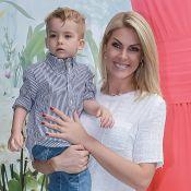 Hater xinga filho de Ana Hickmann na web e ela se revolta: 'Fala na minha cara'