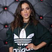 Anitta rebate crítica por escalar bailarino com Down: 'Passar mensagem legal'